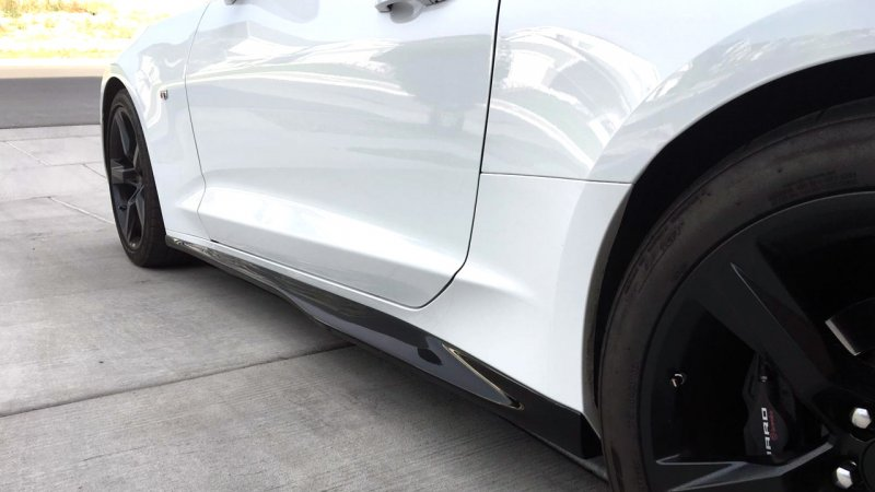 2016-Up Camaro | ZL1 Side Skirt set | Gloss Black